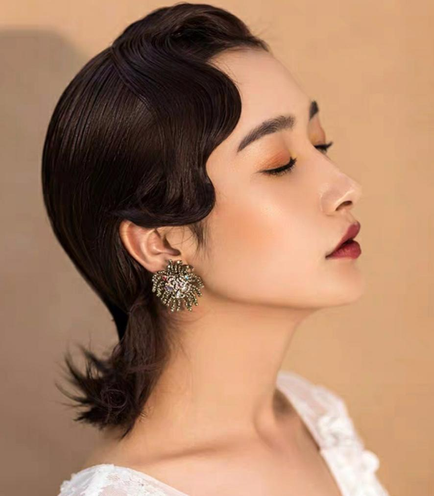 化妆纹绣美容